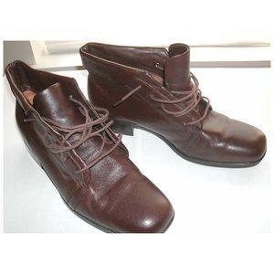 St. John's Bay Brown Leather Chukka Boots, 8.5M